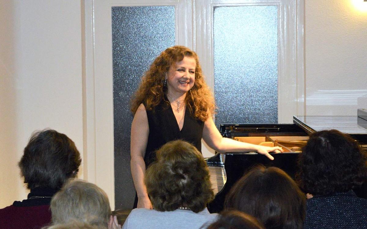 !Música, Maestra! Último concierto del curso con clase previa de Patrizia