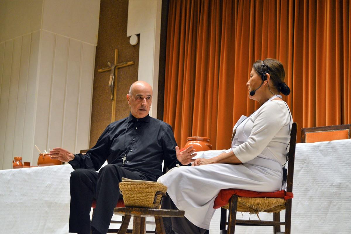 María Peña y Javier protagonizan La Lengua en Pedazos