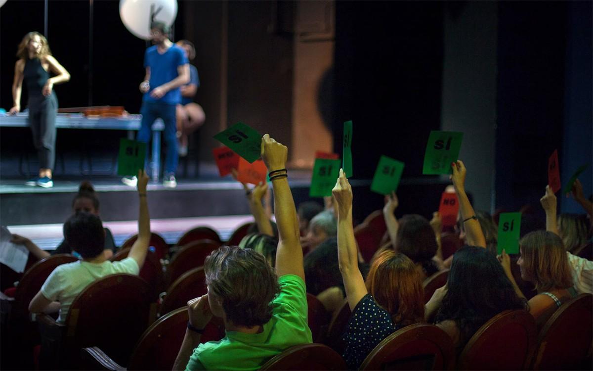 Nueva temporada de Teatro con Clase Previa: 'Un enemigo del pueblo' de Ibsen en el Kamikaze